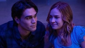 """เสียงเพลงพาพวกเขามาเจอกัน ตามรอยไทม์ไลน์พิสูจน์รักแท้ ใน""""I Still Believe""""หนังโรแมนติกกินใจคนดูทั้ง"""
