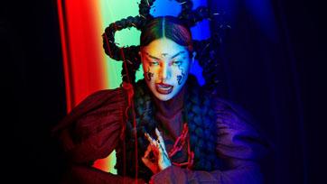 """Pyra เดินหน้าท้าทายอำนาจอันไม่เป็นธรรม และเผด็จการ ด้วยซิงเกิลที่สาม """"bangkok"""" บทเพลงเพื่อคนรุ่นใหม่"""