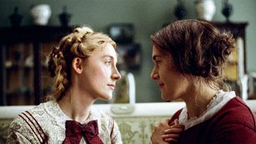 """จากประวัติศาสตร์ที่โลกลืม สู่หนังรักที่โลกต้องจำ """"AMMONITE"""" เคต วินสเลต พบ เซอร์ชา โรแนน"""