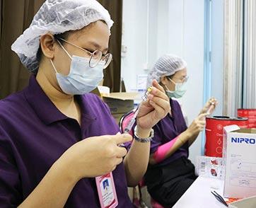 ยูนิโคล่ ประเทศไทย ร่วมสนับสนุนสถาบันราชานุกูลในการฉีดวัคซีนโควิด-19