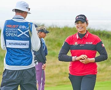 """""""โปรเม"""" นำร่วมหลังจบรอบสามลุ้นคว้าแชมป์สมัยที่สอง Trust Golf Women's Scottish Open"""