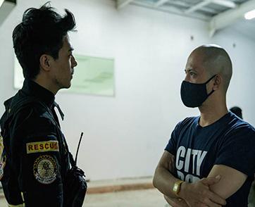 """""""ปราบดา หยุ่น"""" รวมแก๊งค์คนไฟแรง จับหน้าใหม่ปะทะรุ่นใหญ่ ใน """"Bangkok Breaking มหานครเมืองลวง"""""""