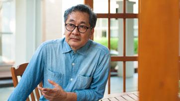 โอม รัชเวทย์ : อัตลักษณ์นิยายภาพไทย | Issue 158